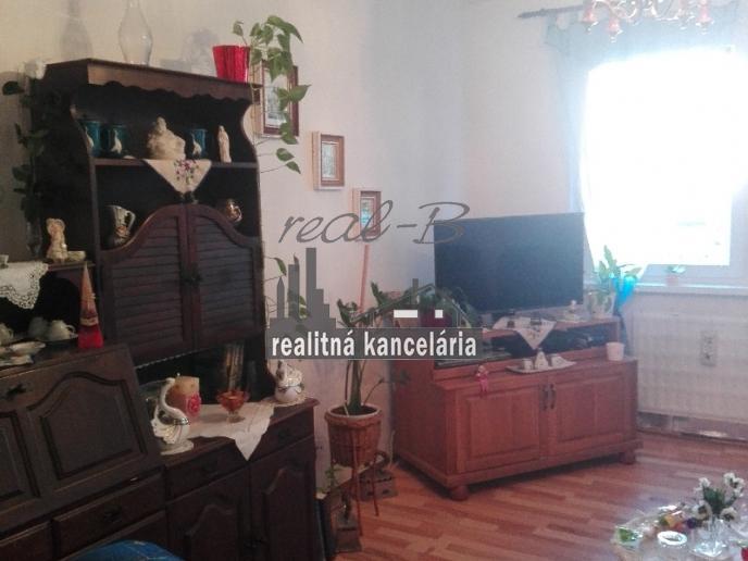 Rodinný dom pri Lučenci - vhodný aj na chalupu