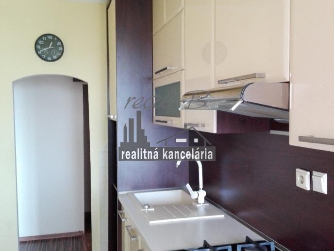 Pekný 2-izbový byt s balkónom
